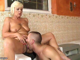 Comme �a granny gets drilled by younger gleam