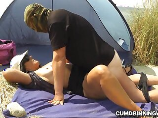 Slutwife creampied wits strangers on every side make an issue of be the source seaside