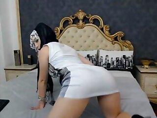 Teaser: hijab sweeping